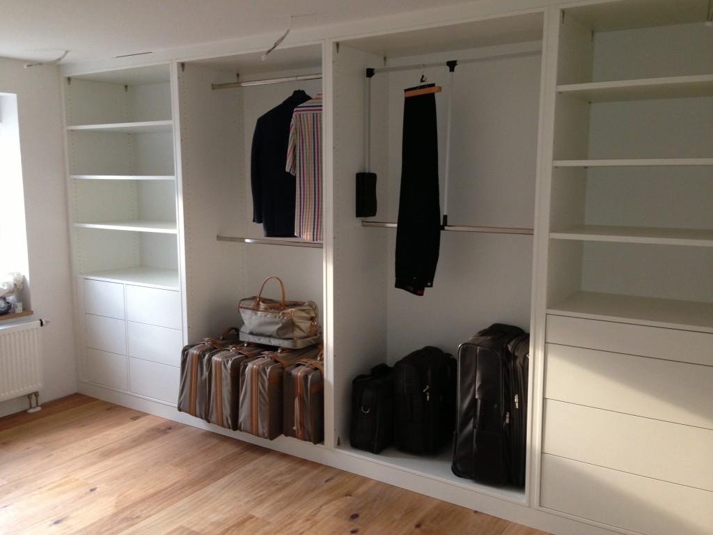 Kleiderschränke für den individuellen Kundenbedarf